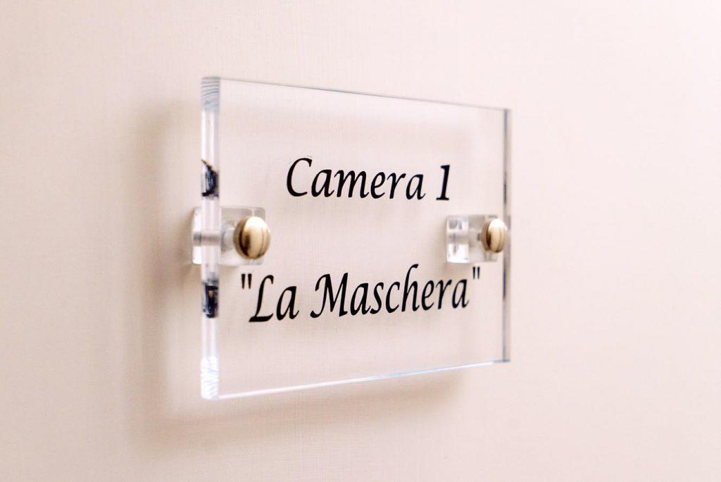 Camera La Maschera